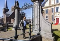 Tjeerd van der Zwan officieel herbenoemd als burgemeester van Heerenveen