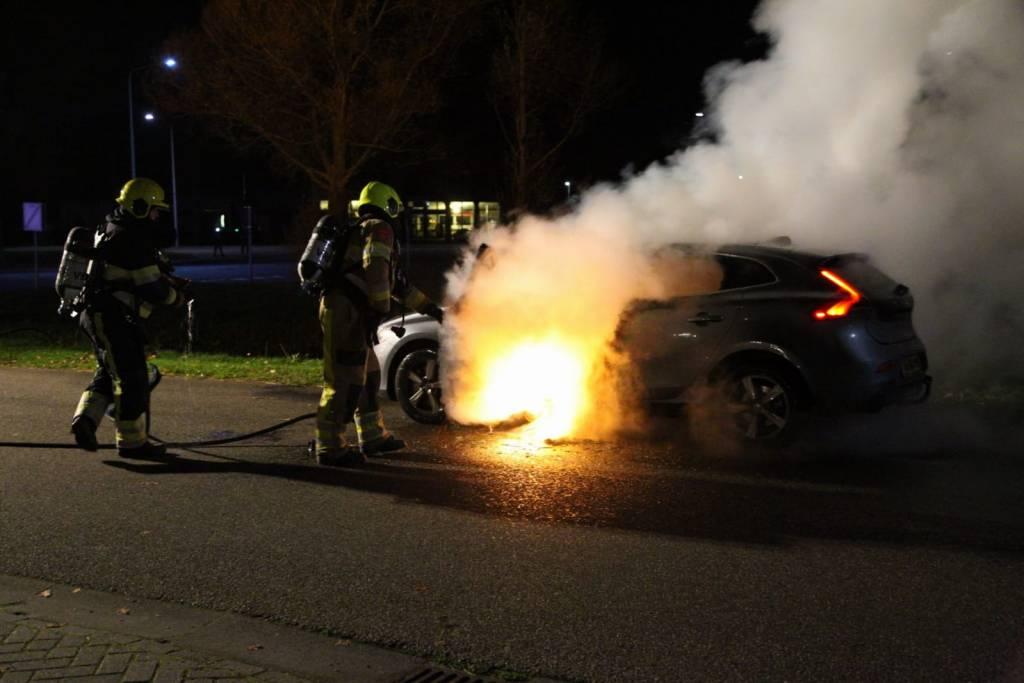Auto in brand aan de Klok in Gorredijk.