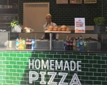 Turkse pizza's van Lekker & Anders verkrijgbaar in de foodcorners van Jumbo Kooistra Heerenveen