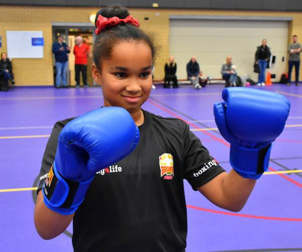 Ruim duizend kinderen doen mee aan Mega Sportdag in Heerenveen
