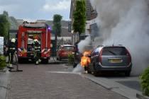 Auto in brand op de Gedempte Molenwijk in Heerenveen