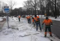 Snert na het sneeuwruimen voor medewerkers Wijkbeheer De Greiden