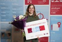 Leonie van Wier uit Heerenveen beste Optiekstudent 2021
