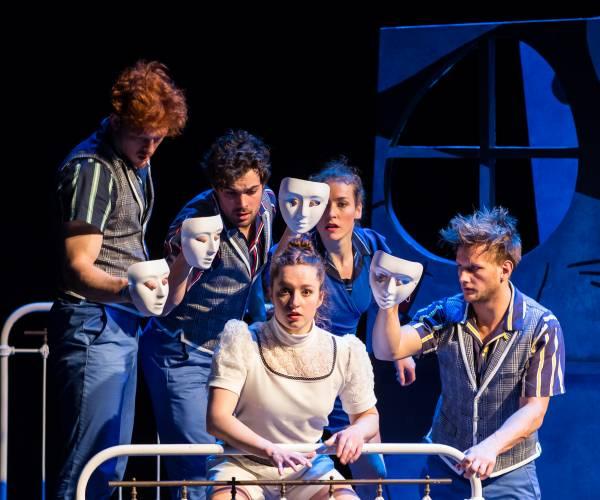 Dans, toneel, cabaret en familietheater in het Posthuis Theater