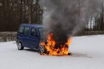 Auto in brand bij Sportpark Kortezwaag in Gorredijk