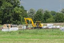 Aanleg zonnepark aan de Omweg in Heerenveen vordert