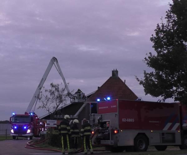 Forse schoorsteenbrand aan de Schoterlandseweg in Hoornsterzwaag