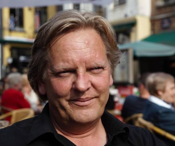 Tweetalige bloemlezing uit 20 jaar poëzie van Abe de Vries