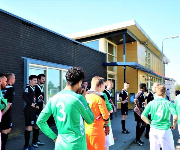Voetbalcompetities gaan door, maar geen publiek bij de wedstrijden