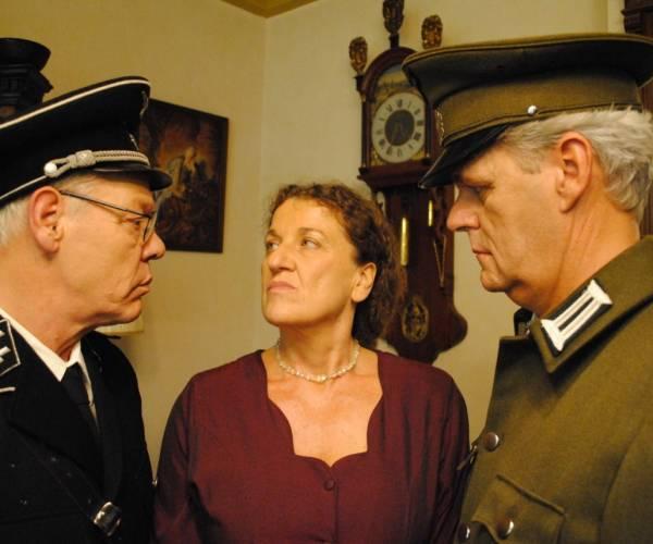 De kraak van de kluis:Theater/videoproductie in het kader van herdenkingsjaar 75 jaar vrijheid
