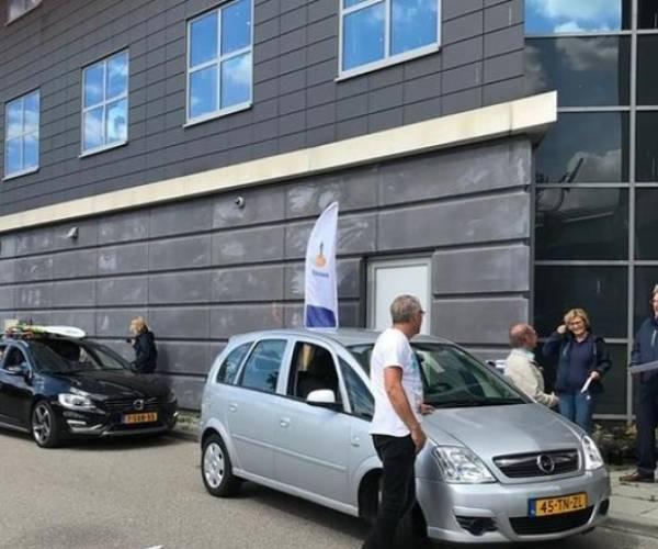 Drive-through bij Rabobank voor ondersteuning 12 verenigingen en stichtingen