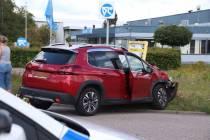 Auto en vrachtwagen botsen in Heerenveen-zuid