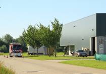 Accupakket van reachtruck in brand bij bedrijf aan de Vulcanus in Heerenveen