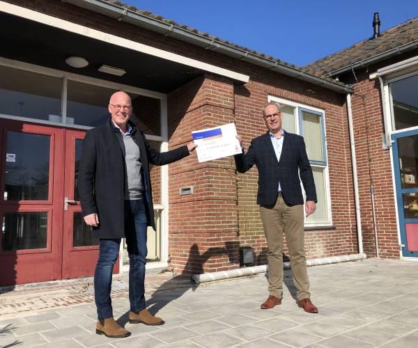 Rabobank schenkt 25.000 euro aan Hospice Heerenveen